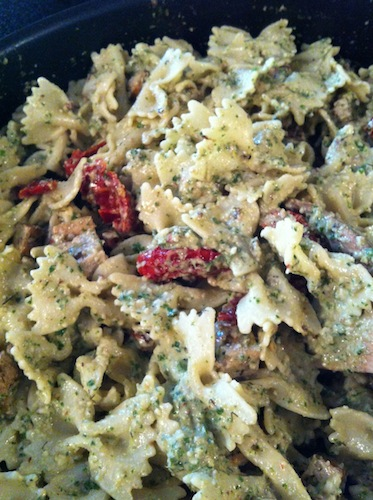 Walnut pesto, sun-dried tomato and tofu pasta